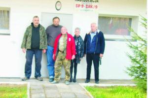 Załoga stacji SNØRUN (Tomasz SQ2LID, Andrzej SP5VIH, Wiesław SQ5ABG, Ewa SP5HEN, Andrzej SQ5NAP)